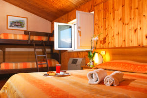 Camera Familiare - Hotel Holidays Barrea - Vista Lago e Montagne