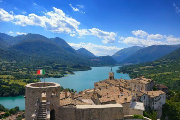 Barrea- Borgo d'Abruzzo - Lago di Barrea